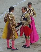 Jose Luis Moreno, testigo en el ceremonial de alternativa de Bejarano es el Torer@ rubio